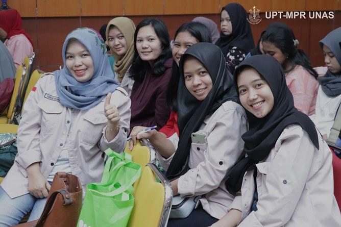 Para peserta seminar kesehatan nasional