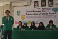 Para Mahasiswa yang sedang memaparkan proposal penelitiannya