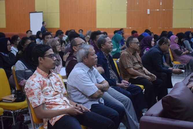 Para peserta seminar (2)
