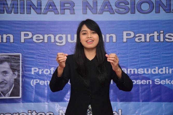 Saat menyanyikan lagu Indonesia Raya (3)