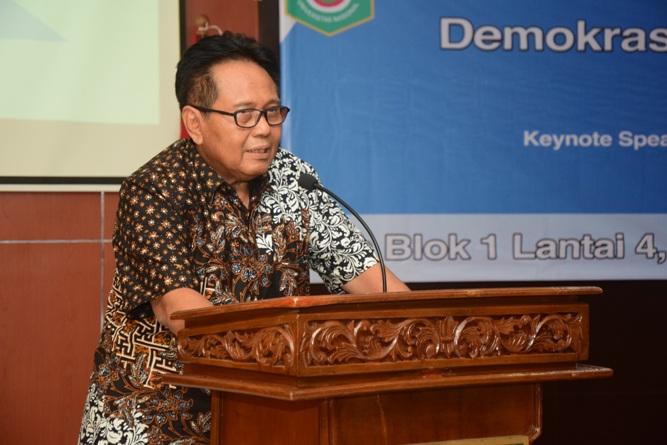 Wakil Rektor Bidang Administrasi Umum, Keuangan, dan SDM (Dr. Drs. Eko Sugiyanto, M.Si) (2)
