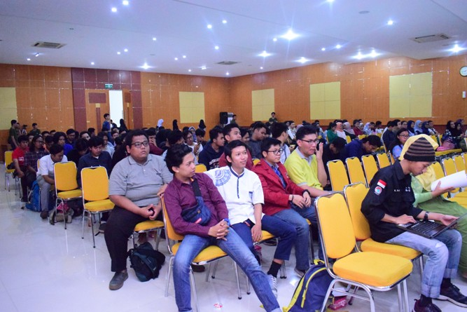 Seminar Nasional Internet of Things-Smarter Way To Live in Education (1)