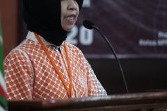 "Ketua Pelaksana Seminar Nasional Teknologi Sistem Informasi ""E-Learning Development In The Era Of Smart Society 5.0"" Dr. Fauziah, S.Kom., MMSI. saat memberikan sambutan"