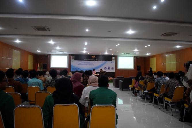 suasana seminar nasional FTKI