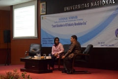 Prof. Dr. Iskandar Fitri, S.T., M.T dan Dr. Ir Paristiyanti Nurwardani, MP dalam seminar nasional sebagai pembicara