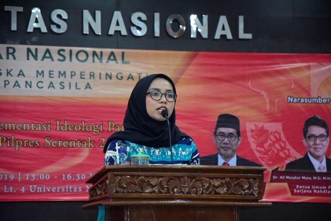 Ketua Umum Himpunan mahasiswa jurusan ilmu politik   Bulan Seme