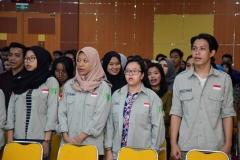 """Mahasiswa  yang hadir pada Seminar Nasional  """"Rekonsolidasi Implementasi Ideologi Pancasila Pasca Pileg dan Pilpres Serentak 2019"""". Senin (1/7) di Auditorium blok 1 lantai 4 UNAS"""