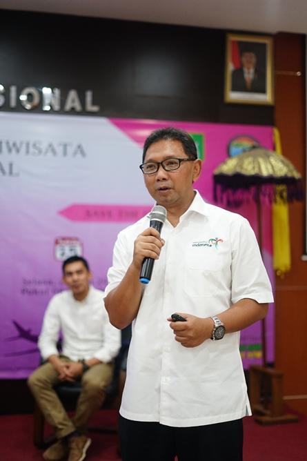 Pembantu ketua IV (Bidang Kerjasama dan Penjaminan Mutu) Sekolah Tinggi Pariwisata Bandung Dr. Haryadi Darmawan, MM.