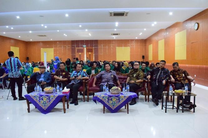 para tamu undangan dan para peserta yang hadir dalam seminar