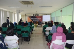 para mahasiswa dari himpunan program studi sosiologi dalam acara semianar Perubahan sosial, Sejarah, dan identitas