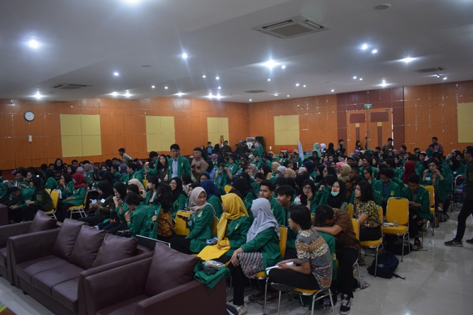 Seminar Tutorial Mahasiswa Baru Administrasi Publik 2018 (1)