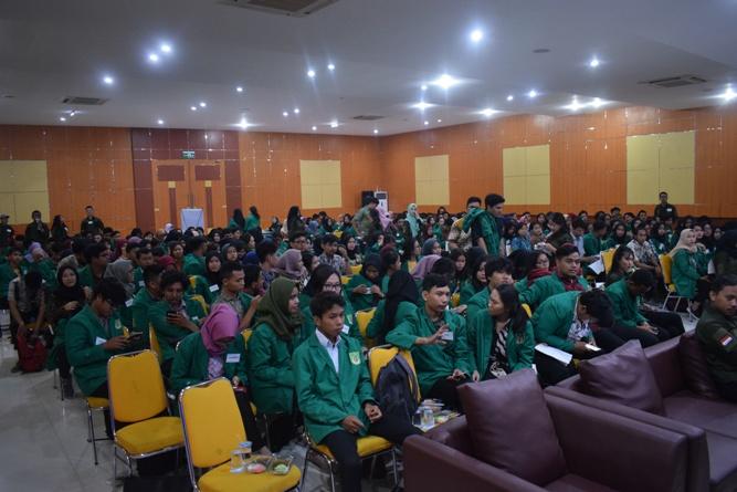 Seminar Tutorial Mahasiswa Baru Administrasi Publik 2018 (2)