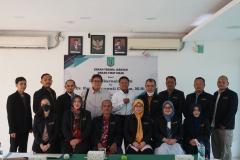 Foto bersama civitas akademik FISIP dalam acara serah terima jabatan dekan fisip pada Rabu, 1 September 2021 diruang seminar UNAS