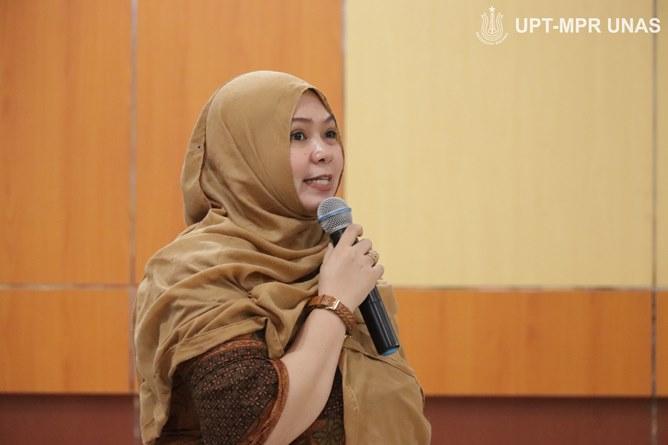 Moderator/Dosen Fakultas Teknologi Komunikasi dan Informatika Andrianingsih, S.Kom.,MMSI.