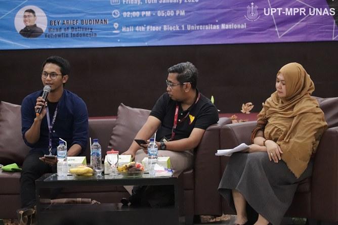 (Kiri-kanan) AI Research Group Lead at Nodeflux Muhammad Rizky Munggaran, Head Of Delivery Yellowfin Indonesia Bey Arief Budiman, Moderator/Dosen Fakultas Teknologi Komunikasi dan Informatika Andrianingsih, S.Kom.,MMSI.