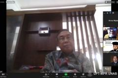Ketua Pengurus Yayasan Memajukan Ilmu dan Kebudayaan Dr. Ramlan Siregar, M.Si. saat menghadiri Sidang Promosi Doktor Hubungan Internasional Dr. Hendra Maujana Saragih, S.I.P., M.Si. pada Senin, 08 Februari 2021