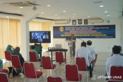Proses sidang terbuka promosi doktor Dr. Hendra Maujana Saragih, S.I.P., M.Si.