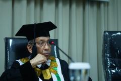 Prof. Drs. Umar Basalim, DES (Ketua Sidang)