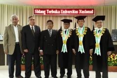 foto bersama Sdr Habib dan para penguji sidang
