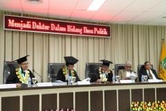para penguji Sdr Habib dalam sidang senat terbuka program doktor ilmu politik