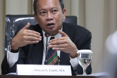 Penguji Sidang Doktoral (Dr. Irman G. Lanti, MA)