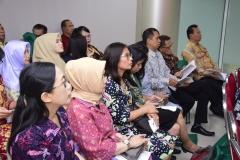 para tamu undnagan sedang menyaksikan prosesi sidang senat terbuka doktoral Sdr Muhammad Ramdan, di Jakarta (21/3).