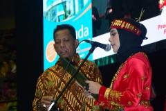 master of ceremony dalam acara sidang senat terbuka di JCC