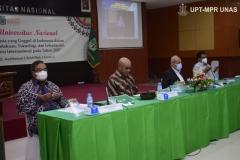 Saat memanjatkan doa dalam acara Rapat Senat  Tahunan Universitas Nasional  pada Rabu, (27/1) di Auditorium