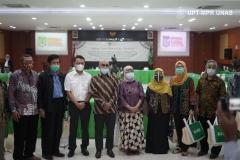 Foto bersama setelah acara Rapat Senat Tahunan Universitas Nasional usai dilaksanakan