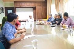 Unas_Rektor El Amry Bermawi saat menerima kunjungan alumni teknik fisika