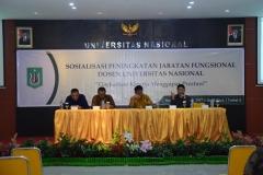 (Kiri-Kanan) Warek III Dr. Drs. Zainul Djumadin, M.Si.,Direktur Akparnas Eddy Guridno, S.E., M.Si.M., Warek II Dr. Drs. Eko Sugiyanto, M.Si., Warek I Prof. Dr. Iskandar Fitri, S.T., M.T. (2)