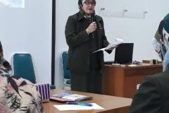 Dekan Fikes Dr Retno Widowati M.Si