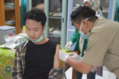 Suntik Difteri yang ke-2 di UNAS (4)