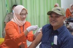Suntik Difteri yang ke-2 di UNAS (5)