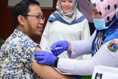 Suntik Difteri yang ke-3 di UNAS (2)