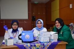 Suntik Difteri yang ke-3 di UNAS (5)