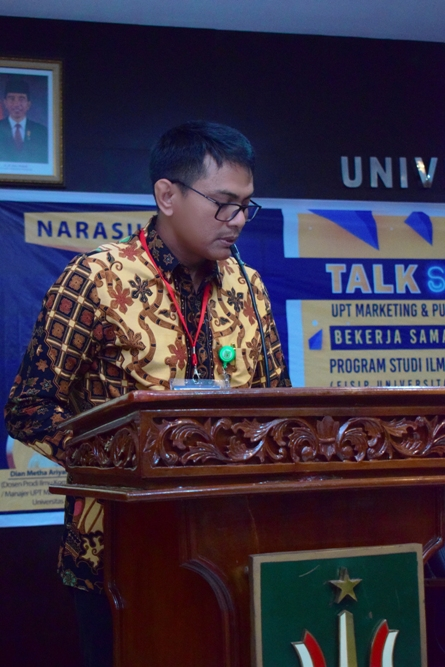 Kepala Divisi Marketing (Marsudi, S.P.) Memberikan sambutan
