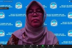 Dosen UIN  Syahid Jakarta, Dr. Hj. Maskufa, M.A selaku narasumber sedang memaparkan materinya