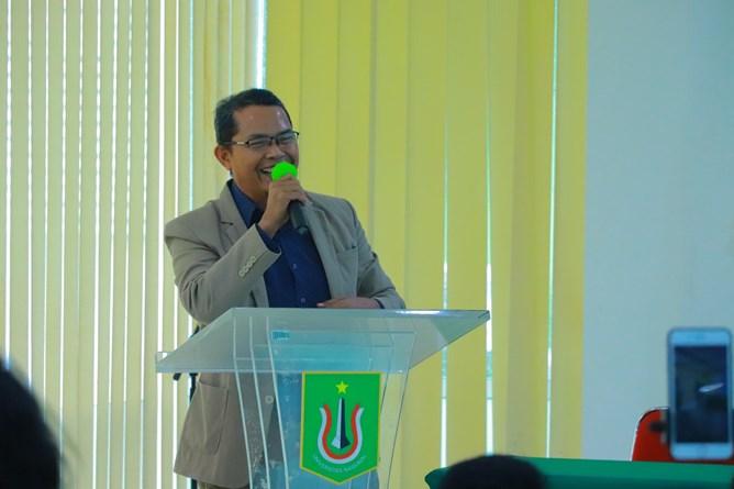 Direktur Inkubator Wirausaha Mandiri UNAS Drs. Suadi Sapta Putra, M.Si., pada Temu Mahasiswa HIPMI Perguruan Tinggi Universitas Nasional yang diselenggarakan Inkubator Wirausaha UNAS pada hari Kamis, 15 April 2021