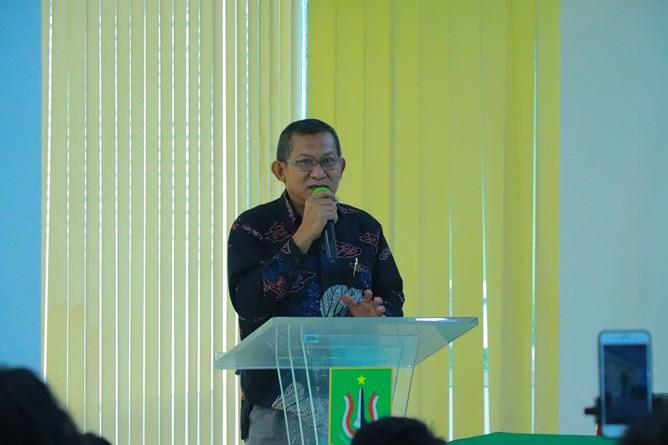 Wakil Rektor Bidang Akademik, Kemahasiswaan, dan Alumni UNAS Dr. Suryono Efendi, S.E., M.B.A., M.M. pada Temu Mahasiswa HIPMI Perguruan Tinggi Universitas Nasional yang diselenggarakan Inkubator Wirausaha UNAS pada hari Kamis, 15 April 2021