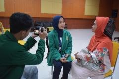 saat wawancara dengan salah satu orang tua mahasiswa