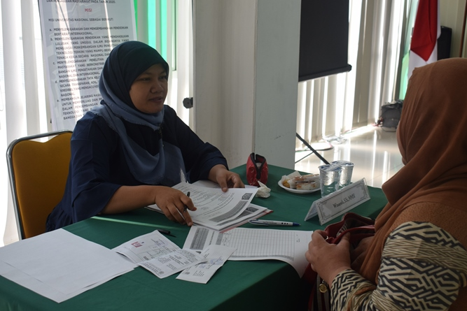 wawancara yang dilakukan dalam tes masuk UNAS