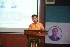 Dr. Fachruddin M. Mangunjaya, M.Si (Pusat Pengajian Islam) saat membaca doa pembuka