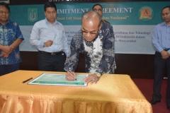 Penandatanganan Komitmen realisasi 140 standar universitas nasional 3