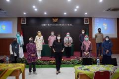 Foto bersama Pemateri & Peserta kegiatan Training Public Speaking bertempat di Aula Universitas Nasional pada Senin, 8 Maret 2021