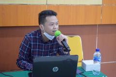 Indra Lukmana selaku pemateri untuk Praktek Teknis Zoom pada kegiatan Training Public Speaking pada Senin, 8 Maret 2021