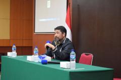 Prof. Dr. Iskandar Fitri, S.T., saat memberikan Sambutan dalam kegiatan Training Public Speaking pada Senin, 8 Maret 2021