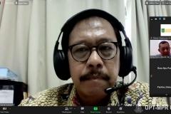 """Ketua Program Studi Akuntasi Dr. Bambang Subiyanto, S.E.,M.Ak, CPA saat memberikan sambutan dalam kegiatan Webinar Nasional """"Sewa Menurut PSAK 73 dan Aspek Perpajakan"""" pada Selasa, 27 Oktober 2020"""