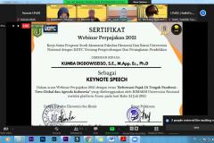 Penyerahan sertifikat kepada Dekan FEB UNAS Kumba Digdowiseiso, S.E., M.App. Ec., Ph.D. pada webinar UNAF 2021