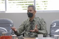Director Briton Cambrige Sirajuddin Tenri saat mempresentasikan materi kerjasama di ruang rapat pada Rabu, 1 September 2021